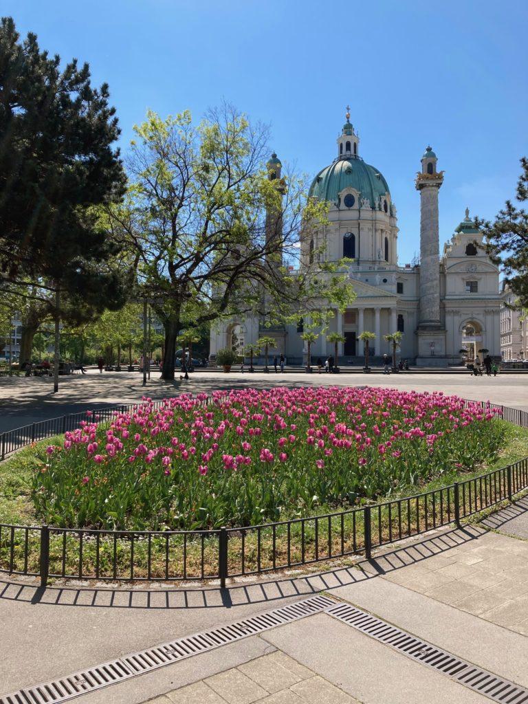 vienna sightseeing tours karlskirche