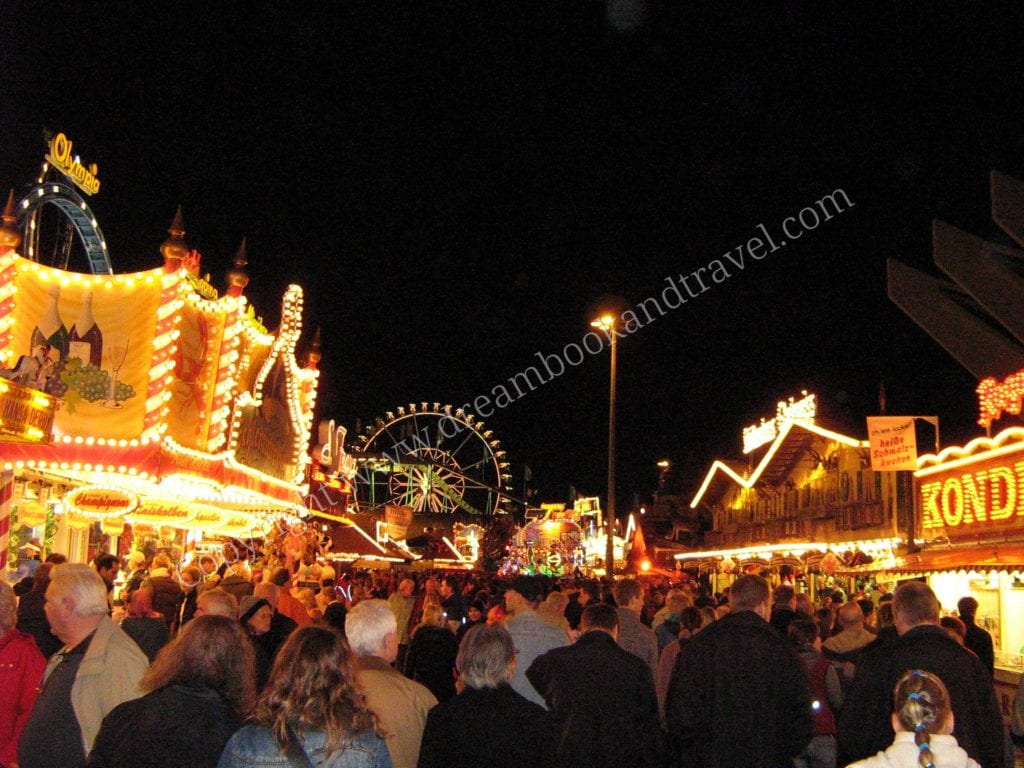 Things to do in Bremen - the Freimarkt in autumn