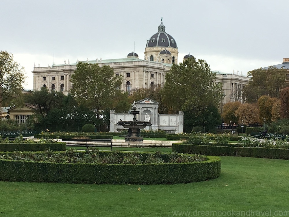 One day in Vienna - Volksgarten