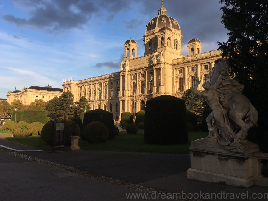 Autumn in Vienna - Art History Museum in Vienna - an autumn sunset