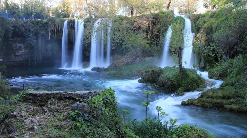 Cascadele Kursunlu, Manavgat, și Duden va invită într-o oază de liniște și verdeață
