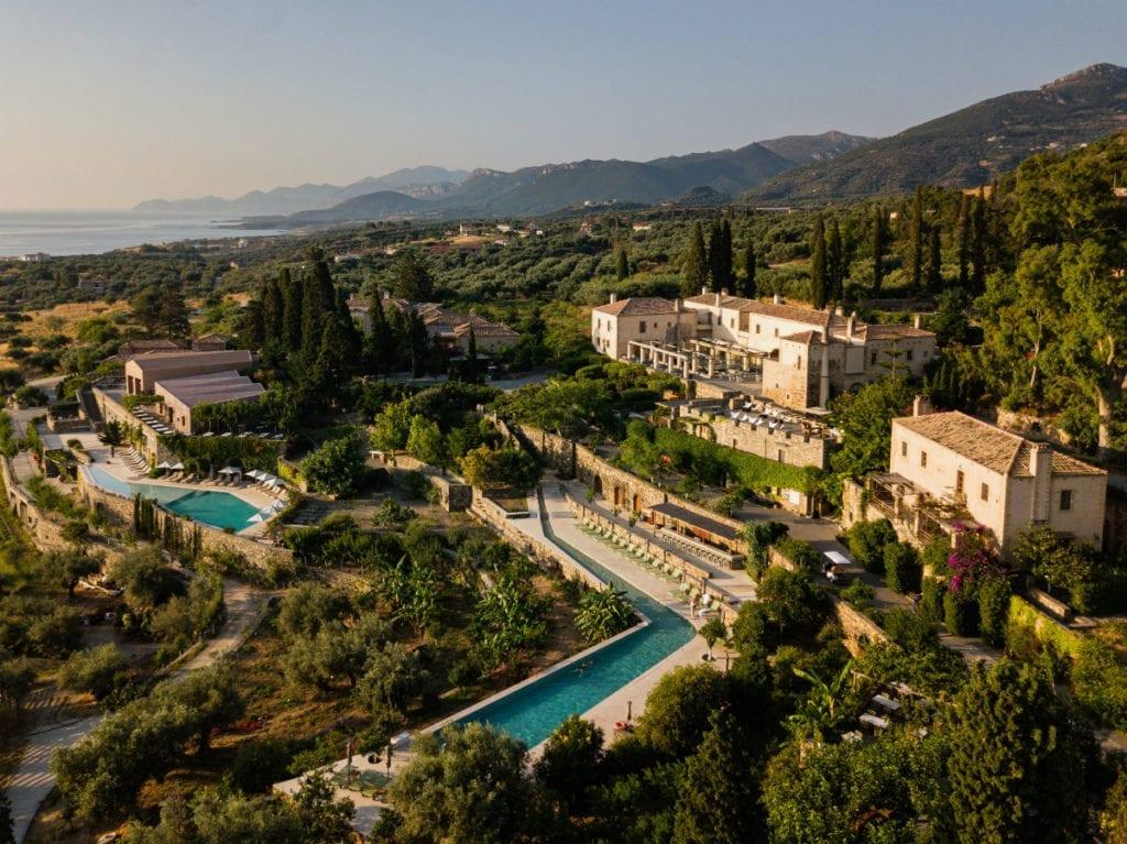 Hotelul Kinsterna din Monemvasia oferă o gamă variată de facilități pentru o vacanță în familie