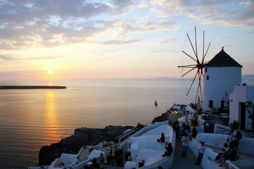 Where to go in Greece for the hopelessly romantic - the famous Santorini Oia sunset view