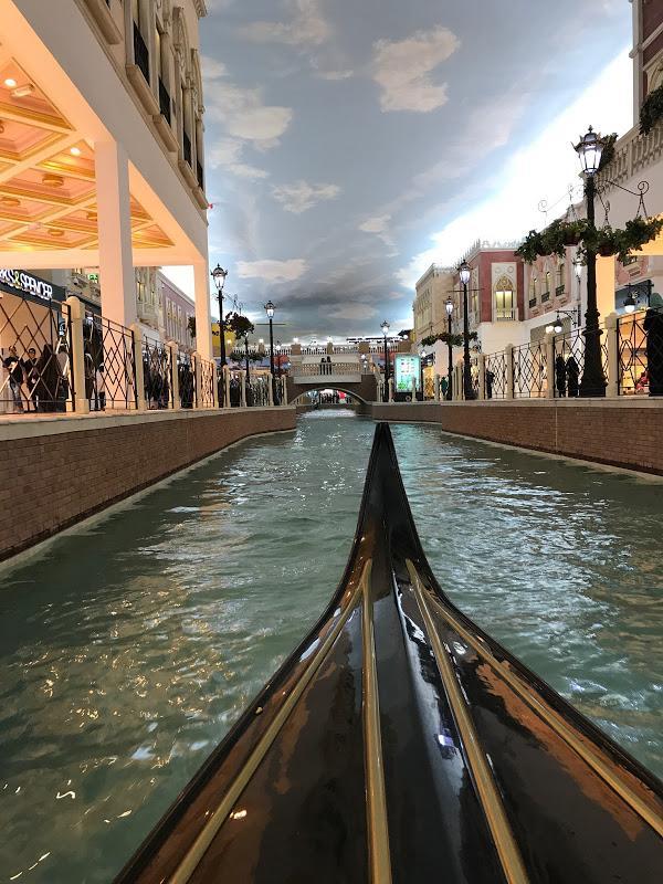 Qatar itinerary day 4 - go for a gondola ride - Villagio Mall!