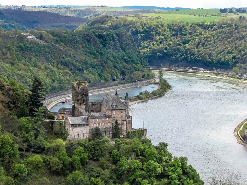 Snapshots of the romantic Rhine (photo source pixabay)