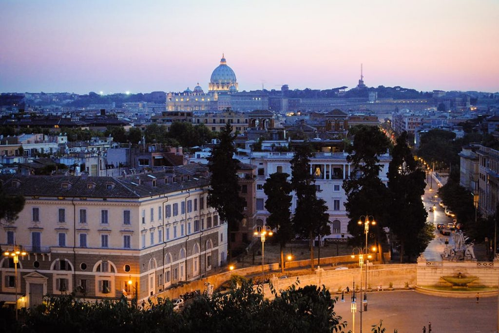 Romantic things to do in Rome - enjoy the view from Pincio Terrace
