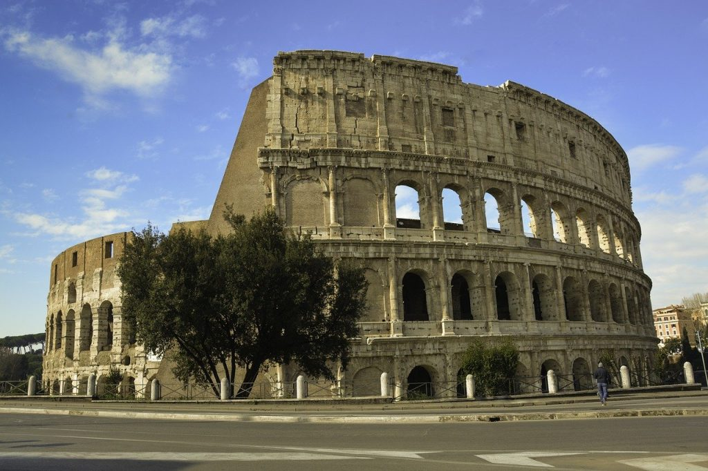 Romantic things to do in Rome - Colloseum