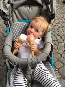 Weekend routine with a toddler - do not forget ice cream
