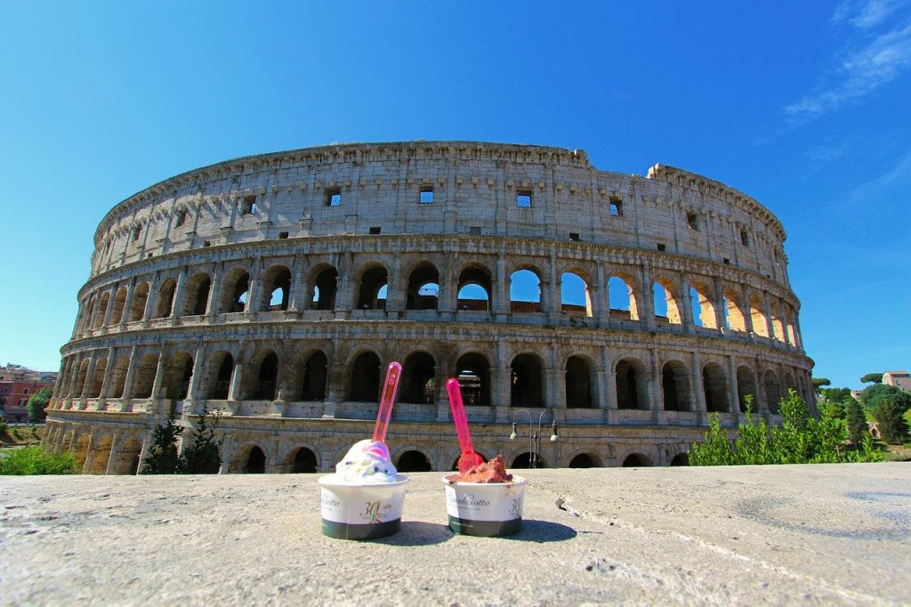 Romantic things to do in Rome - eat gelato at the Colloseum